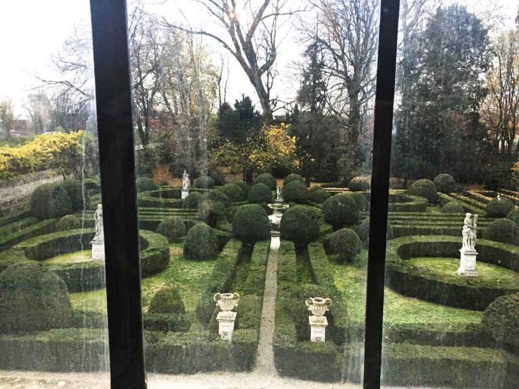 Labirinto nel giardino